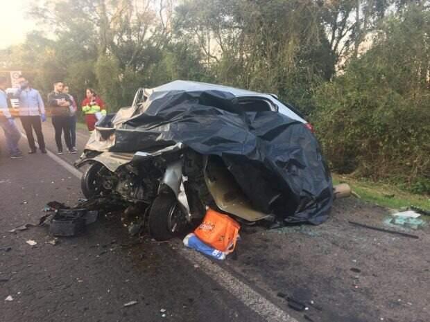 Seis pessoas da mesma família morrem em acidente entre dois veículos