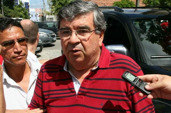 Paulino aproveita crise no PSB e tenta se aproximar de João Azevêdo