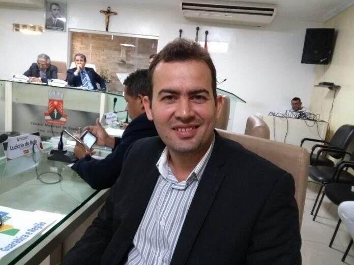 Elias Filho se despede da Câmara de Guarabira e deixa futuro político em aberto